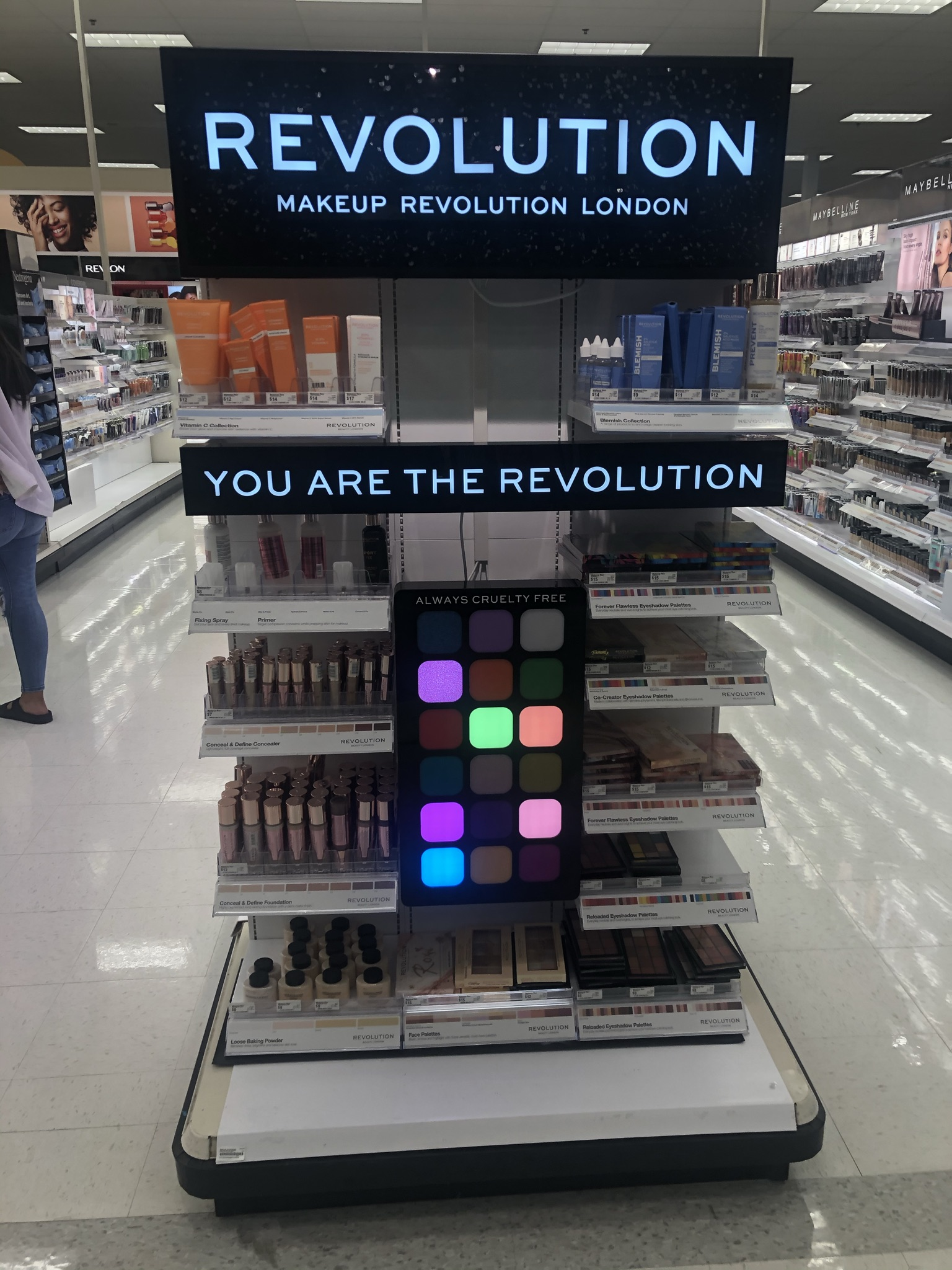 End cap with lighting